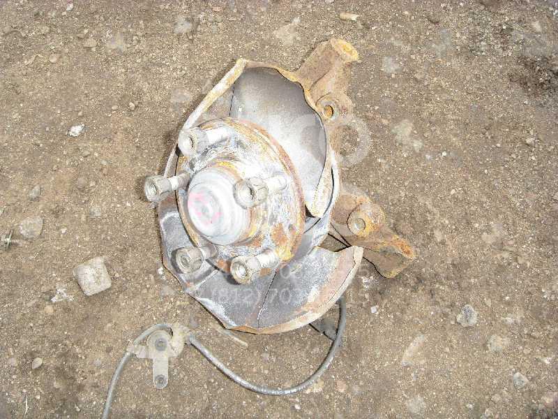 Кулак поворотный задний правый для Mazda Premacy (CP) 1999-2004 - Фото №1