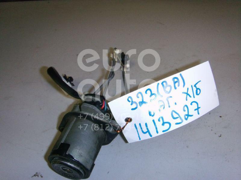 Купить Вставка замка багажника Mazda 323 (BA) 1994-1998; (BC6D76260C)