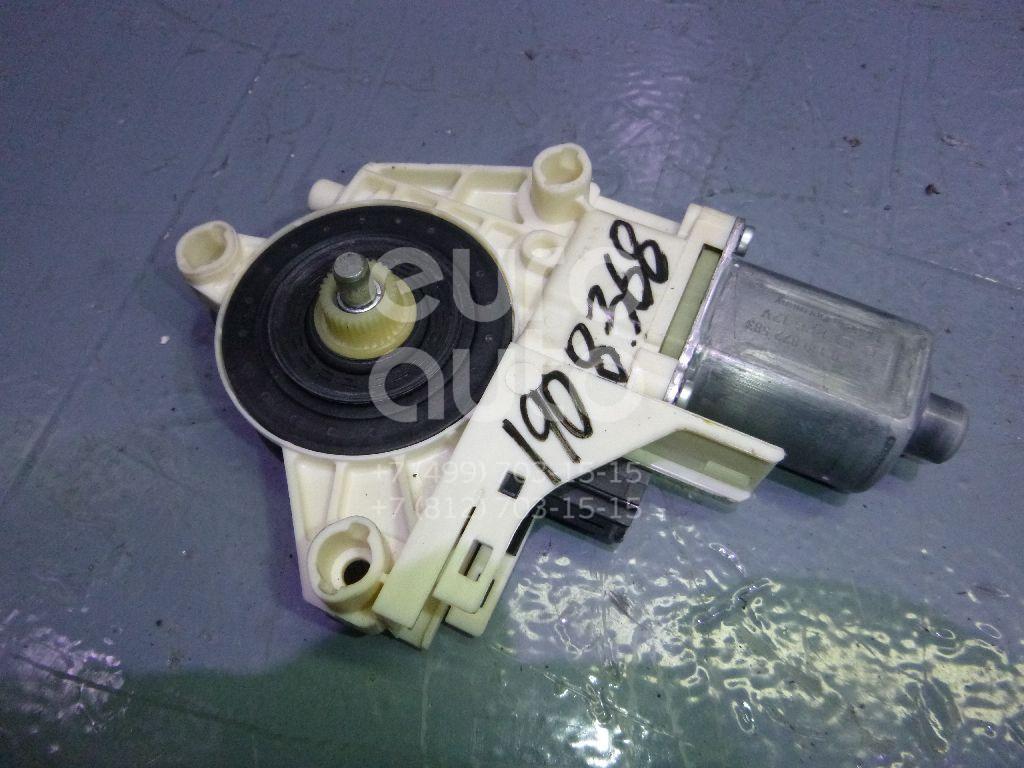 Моторчик стеклоподъемника Renault Fluence 2010-; (827300013R)  - купить со скидкой