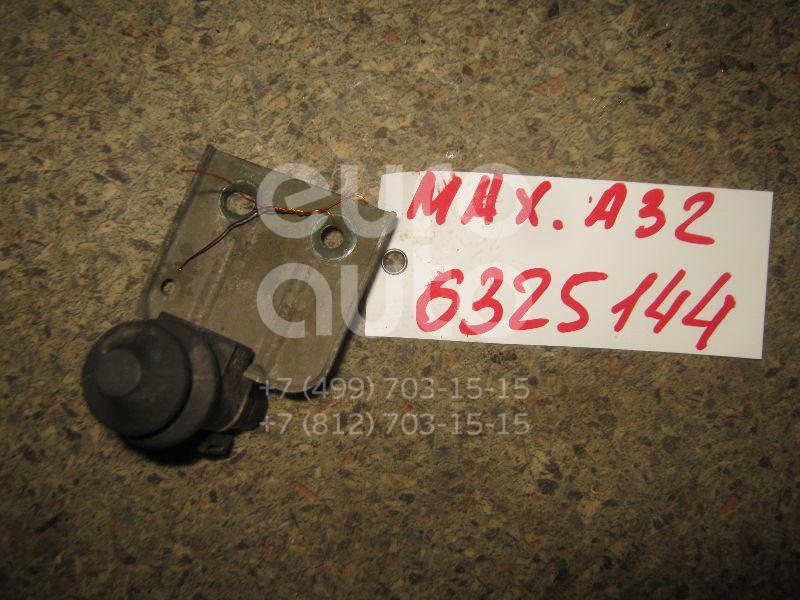 Выключатель концевой для Nissan Maxima (A32) 1994-2000 - Фото №1