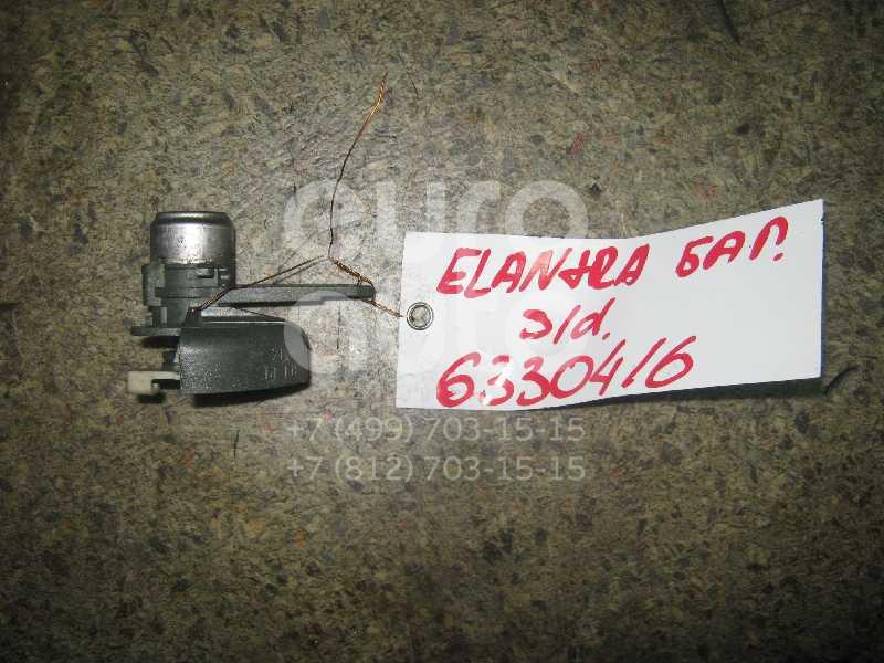 Вставка замка багажника для Hyundai Elantra 2000-2005 - Фото №1