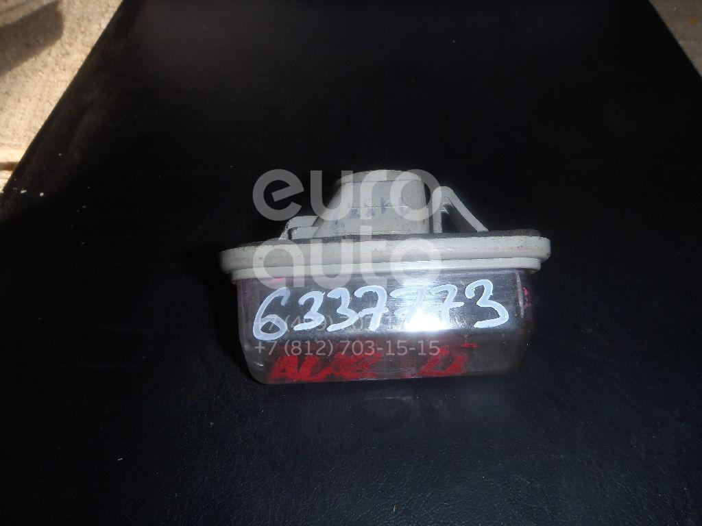 Фонарь подсветки номера для Toyota Avensis II 2003-2008 - Фото №1