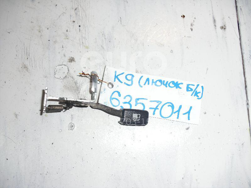 Ручка открывания лючка бензобака для Mitsubishi Pajero/Montero Sport (K9) 1997-2008;Space Runner (N1,N2) 1991-1999;Space Wagon (D0) >1991;Outlander (CU) 2001-2008;L200 (K6,K7) 1996-2006;Lancer (CS/Classic) 2003-2008 - Фото №1