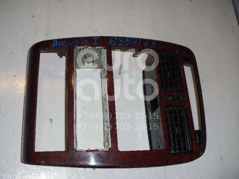 Рамка магнитолы для Toyota Avensis I 1997-2003 - Фото №1