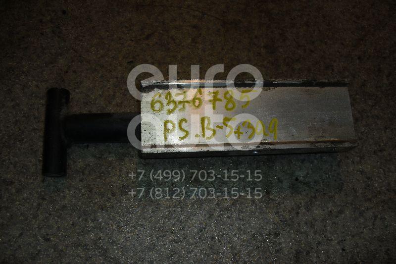 Кронштейн усилителя заднего бампера правый для VW Passat [B5] 2000-2005 - Фото №1
