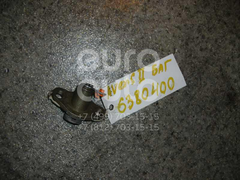 Вставка замка багажника для Toyota Avensis II 2003-2008 - Фото №1