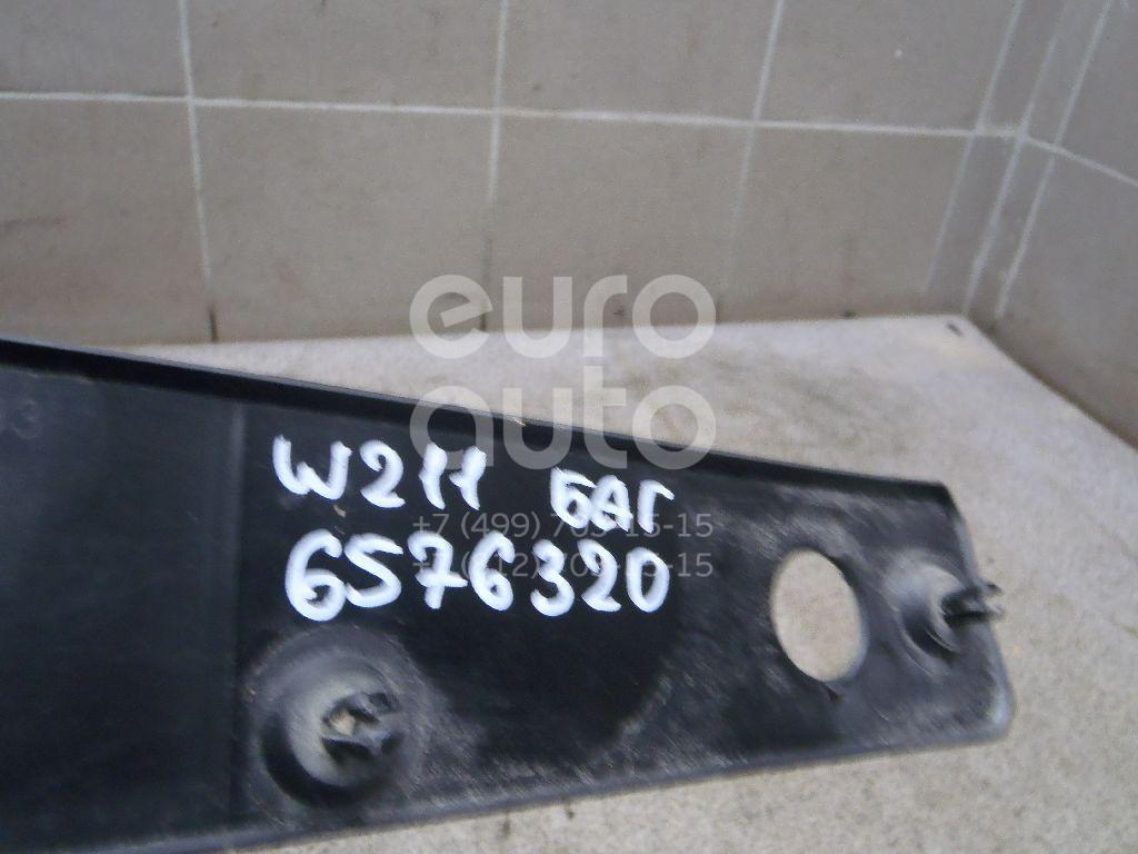 Накладка крышки багажника Mercedes Benz W211 E-Klasse 2002-2009; (2117500193)  - купить со скидкой