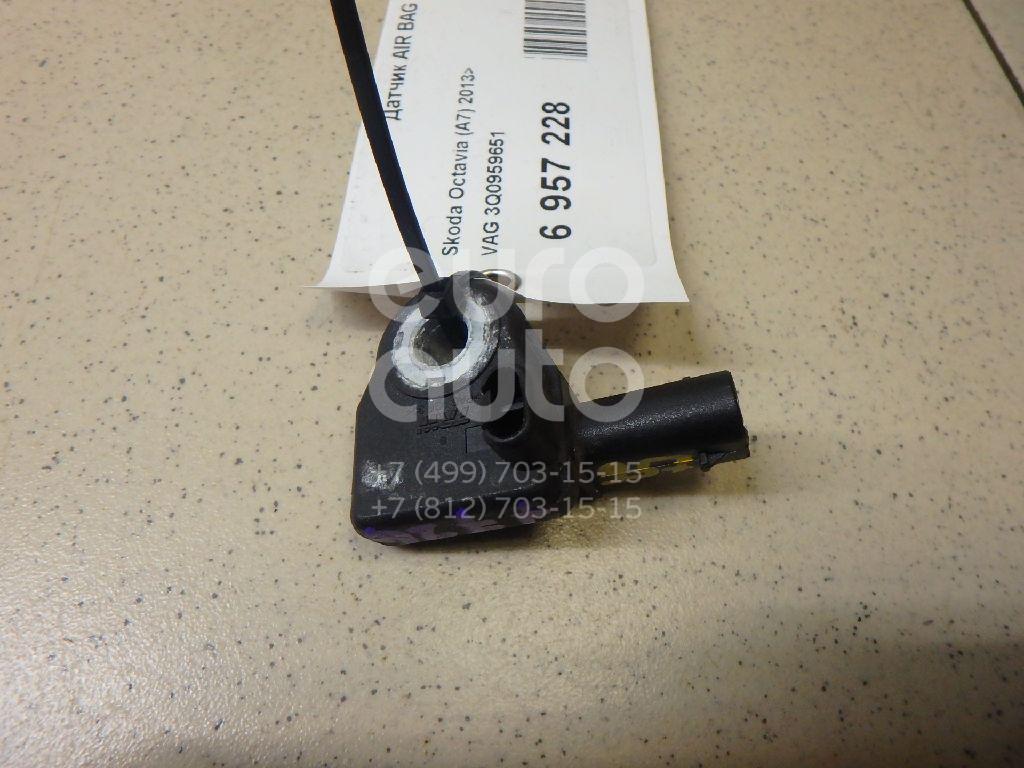 Купить Датчик AIR BAG Skoda Octavia (A7) 2013-; (3Q0959651)