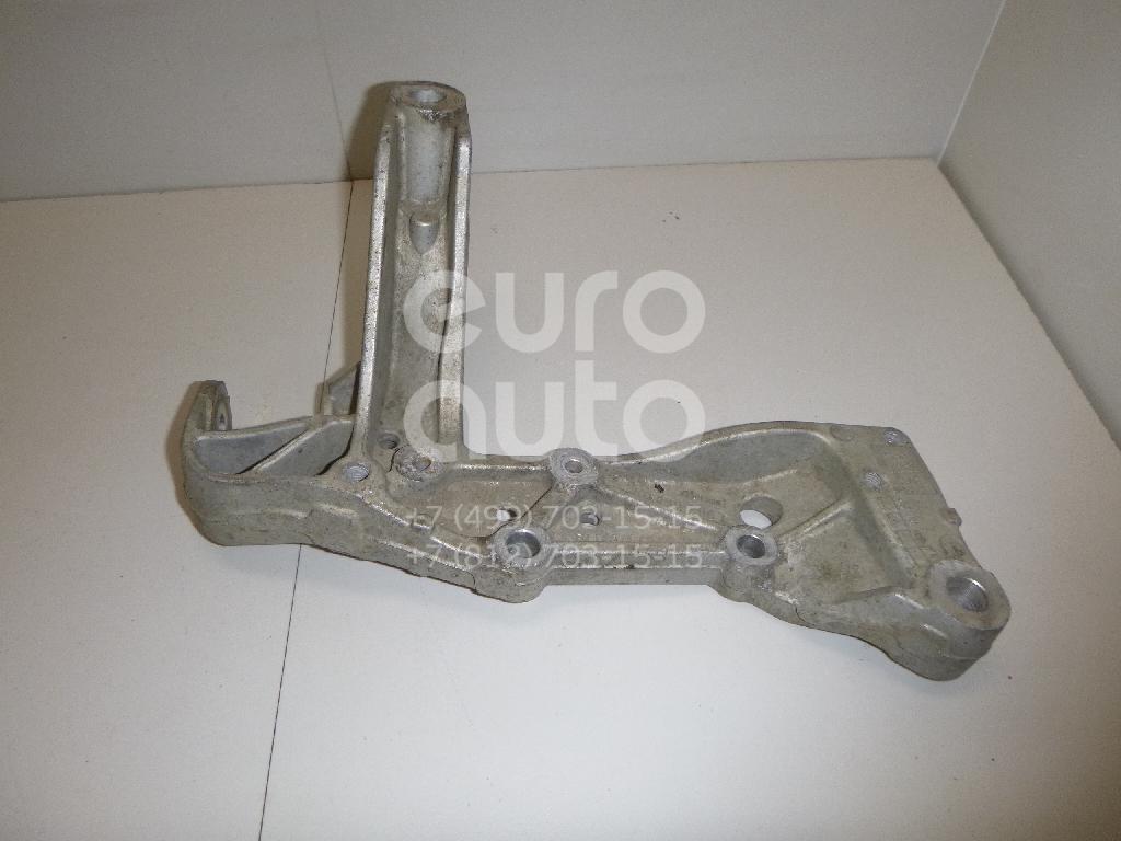 Кронштейн переднего рычага для VW,Audi,Skoda,Seat Caddy III 2004-2016;A3 [8PA] Sportback 2004-2013;Golf V Plus 2005-2014;Golf V 2003-2009;Touran 2003-2010;A3 [8P1] 2003-2013;Jetta 2006-2011;Octavia (A5 1Z-) 2004-2013;Leon (1P1) 2005-2013 - Фото №1