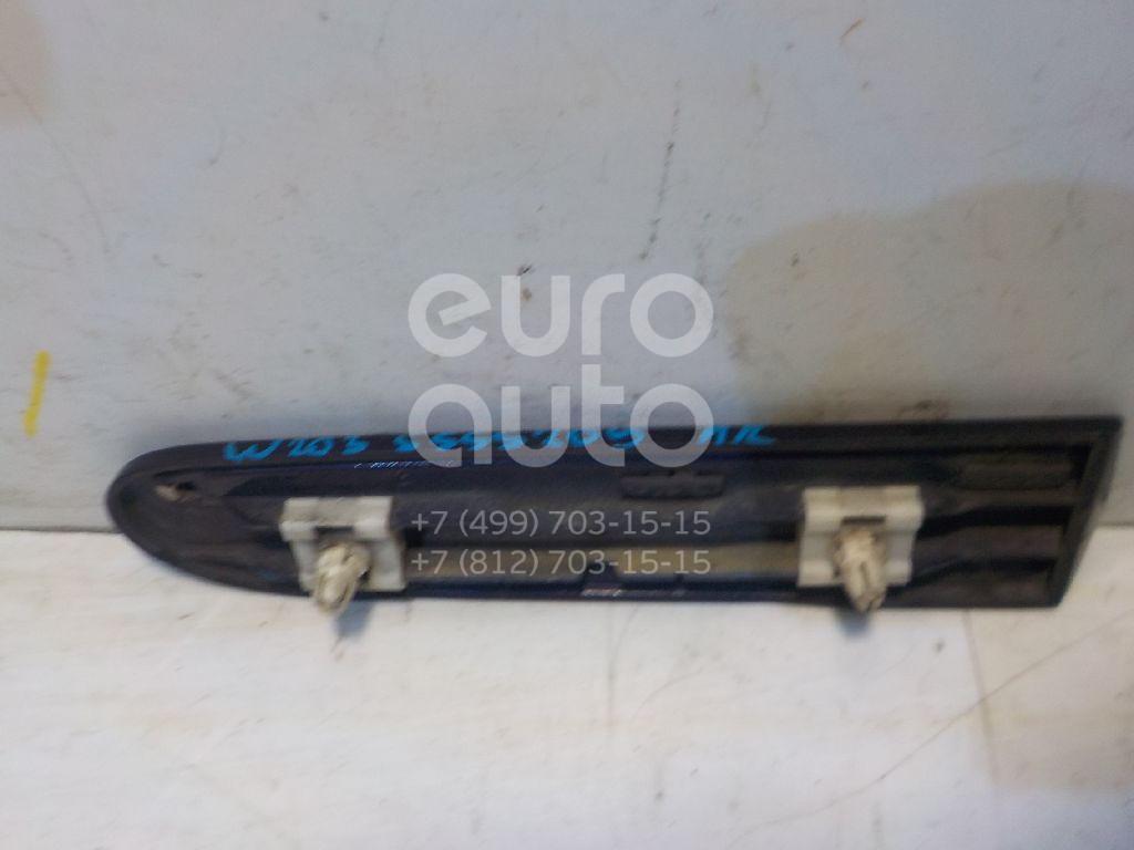 Молдинг переднего правого крыла для Mercedes Benz W203 2000-2006 - Фото №1