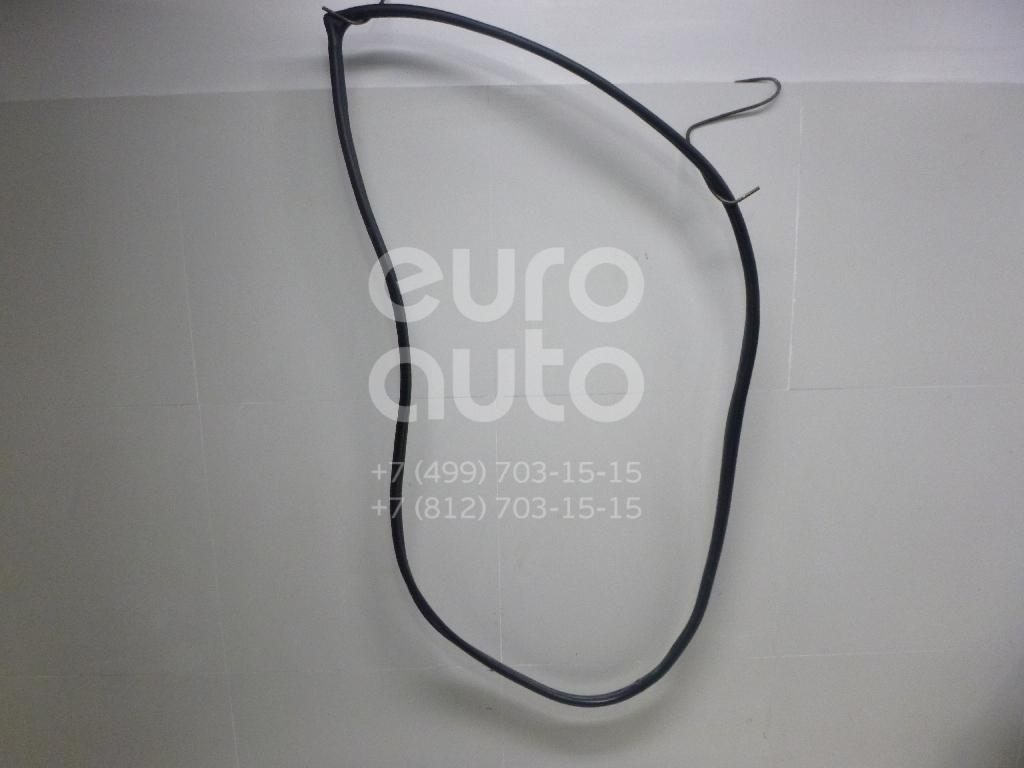 Уплотнитель двери Kia Sportage 2004-2010; (821201F000WK)