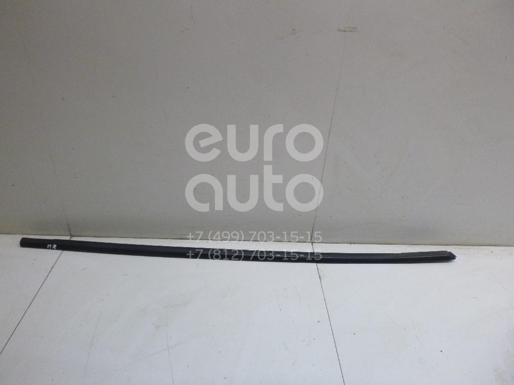 Накладка стекла переднего правого Skoda Superb 2002-2008; (3U0837478BB41)