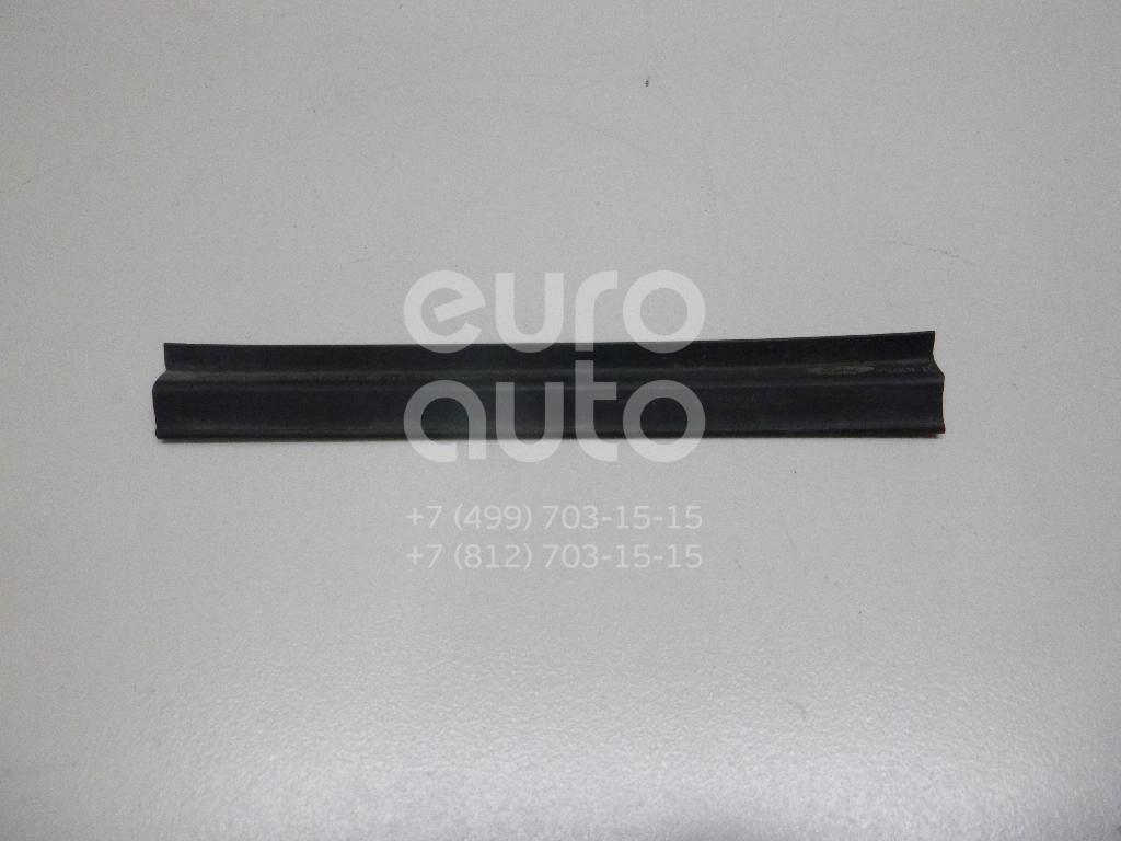 Купить Уплотнитель капота Ford Fiesta 2008-; (1554699)