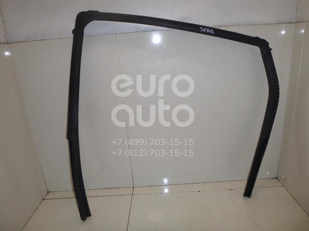 Купить Уплотнитель стекла двери Nissan Qashqai (J10) 2006-2014; (82330JD00A)