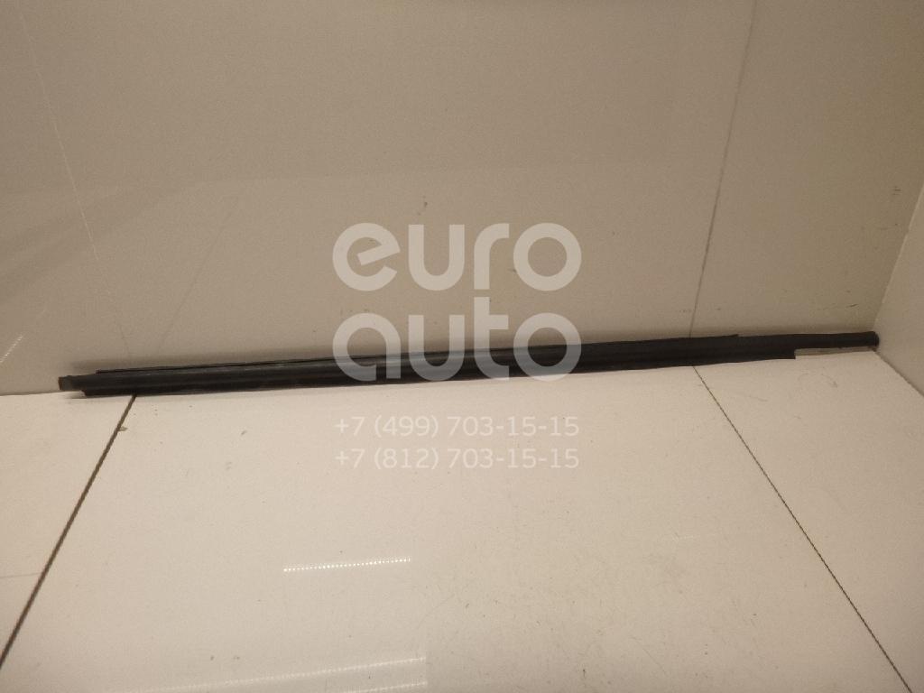 Купить Накладка стекла переднего правого Toyota Yaris 2005-2011; (681600D060)