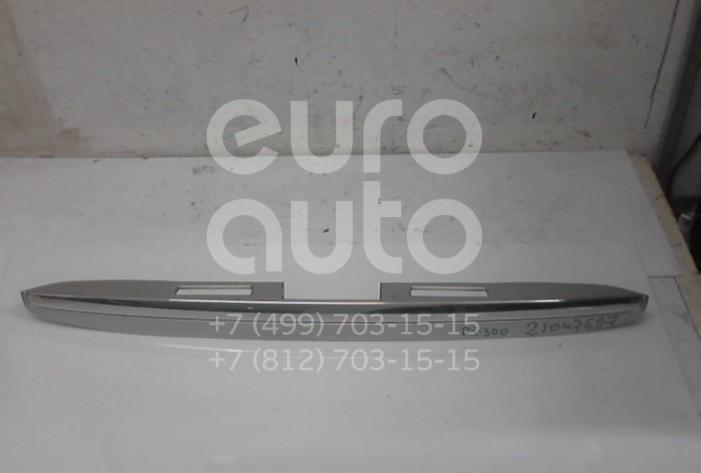 Купить Накладка двери багажника Lexus RX 300/330/350/400h 2003-2009; (7681148050B0)