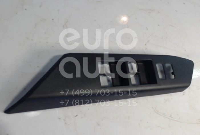 Купить Накладка блока управления стеклоподъемниками Toyota RAV 4 2013-; (7423242180)