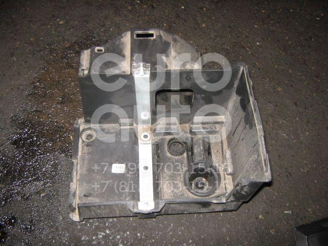 Купить Крепление АКБ (корпус/подставка) Volvo S40 2004-2012; (30667940)