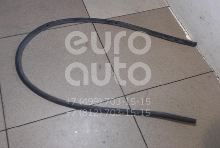 Купить Уплотнитель капота Nissan Note (E11) 2006-2013; (668309U000)