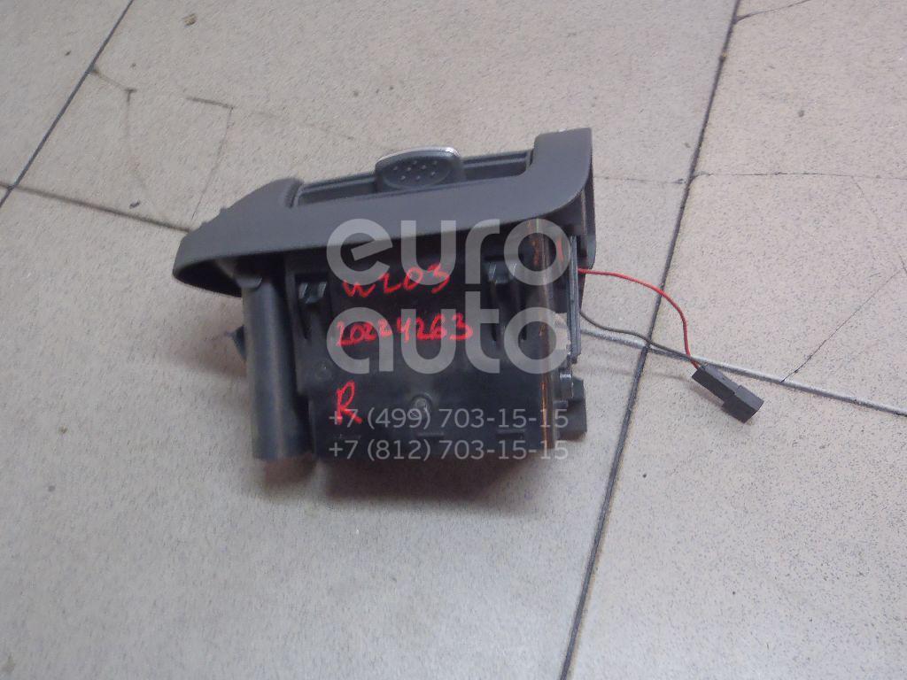 Купить Дефлектор воздушный Mercedes Benz W203 2000-2006; (2038301254)