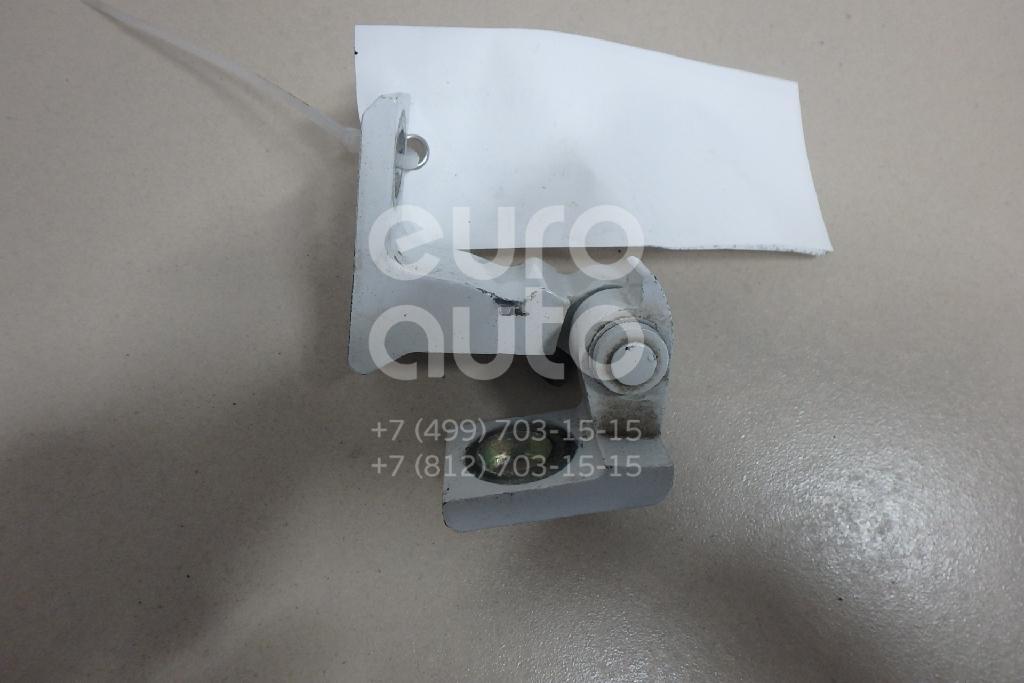 Купить Петля двери Skoda Rapid 2013-; (8K0831402P)