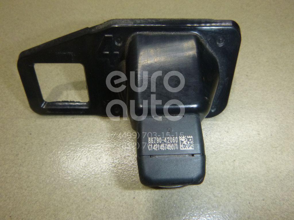 Купить Камера заднего вида Toyota RAV 4 2013-; (8679042060)