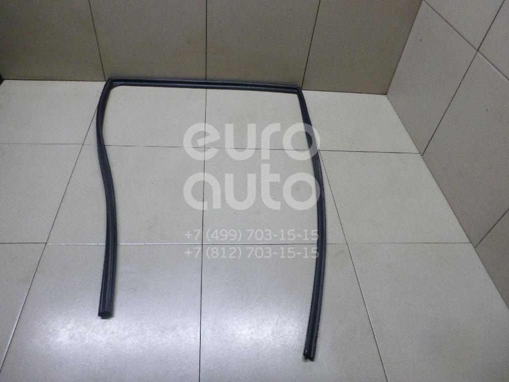 Купить Уплотнитель стекла двери Lexus RX 300/330/350/400h 2003-2009; (6815248030)