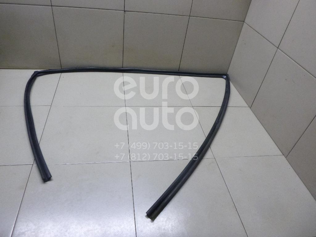 Купить Уплотнитель стекла двери Lexus RX 300/330/350/400h 2003-2009; (6815148031)