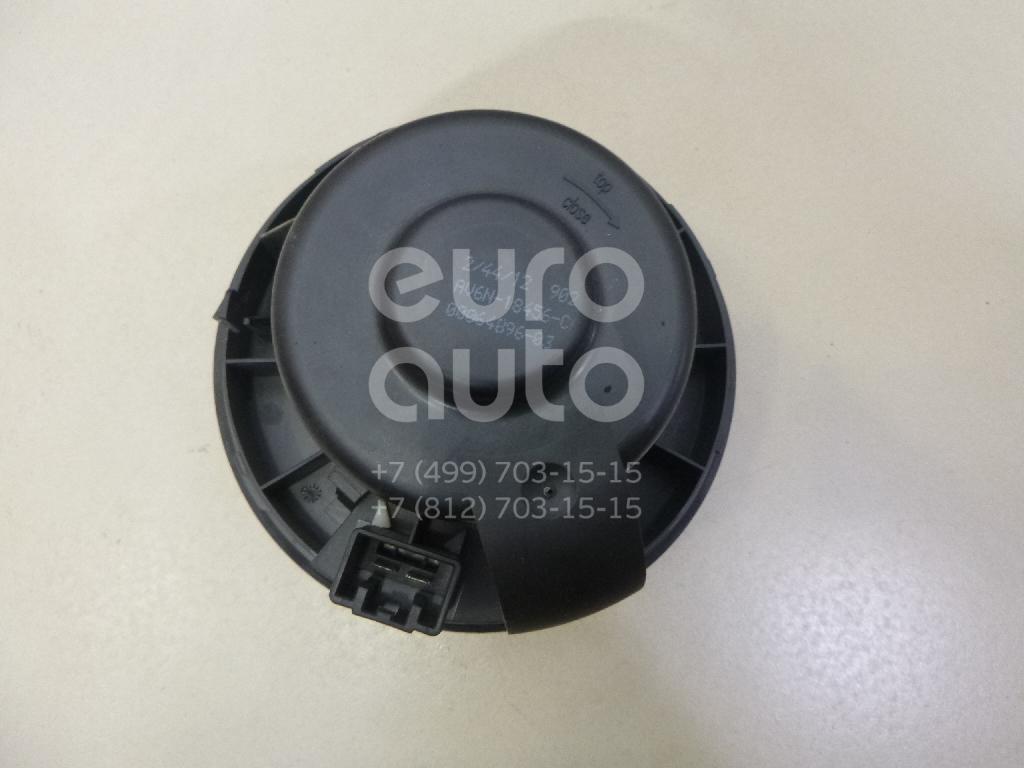 Моторчик отопителя Ford Focus III 2011-; (1696010)  - купить со скидкой