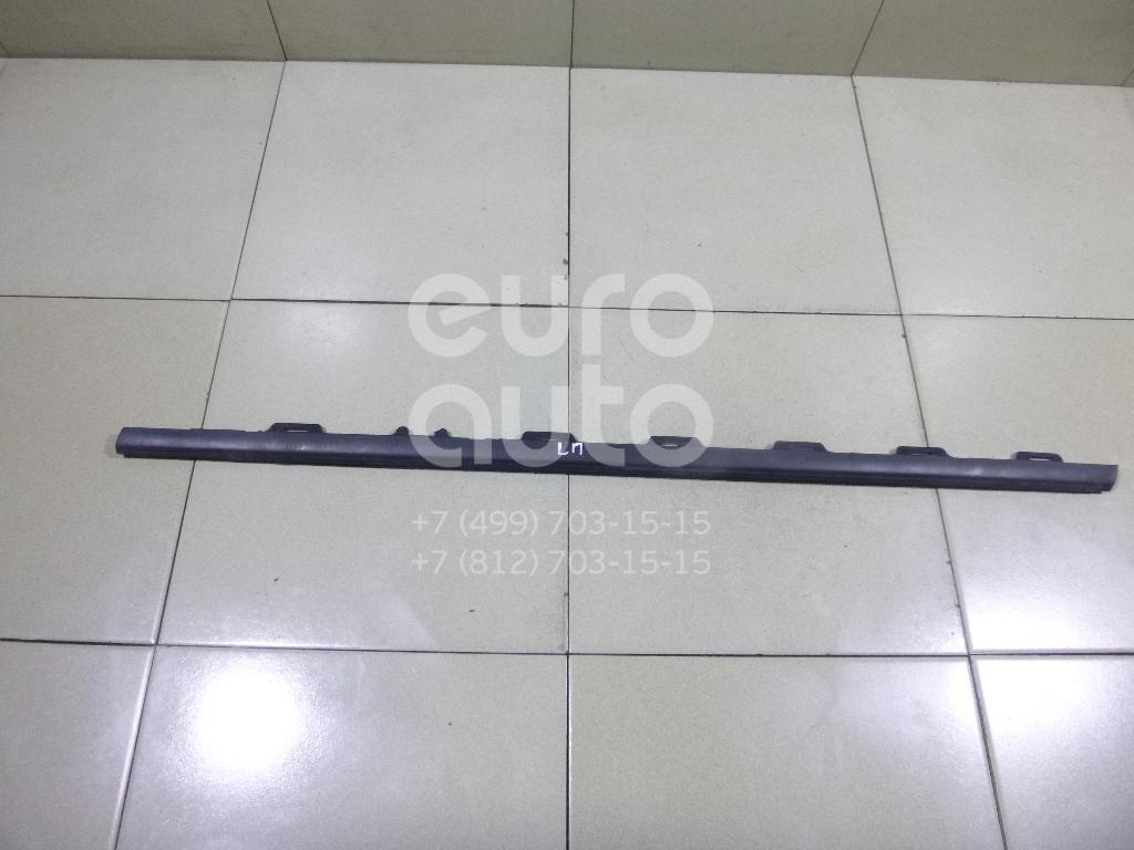 Купить Накладка стекла переднего левого Peugeot 208 2012-; (9673085180)