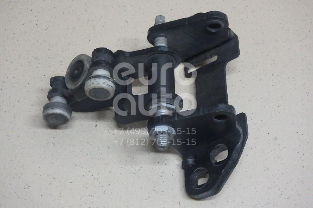 Купить Ролик двери сдвижной средний VW Crafter 2006-; (2E1843336)