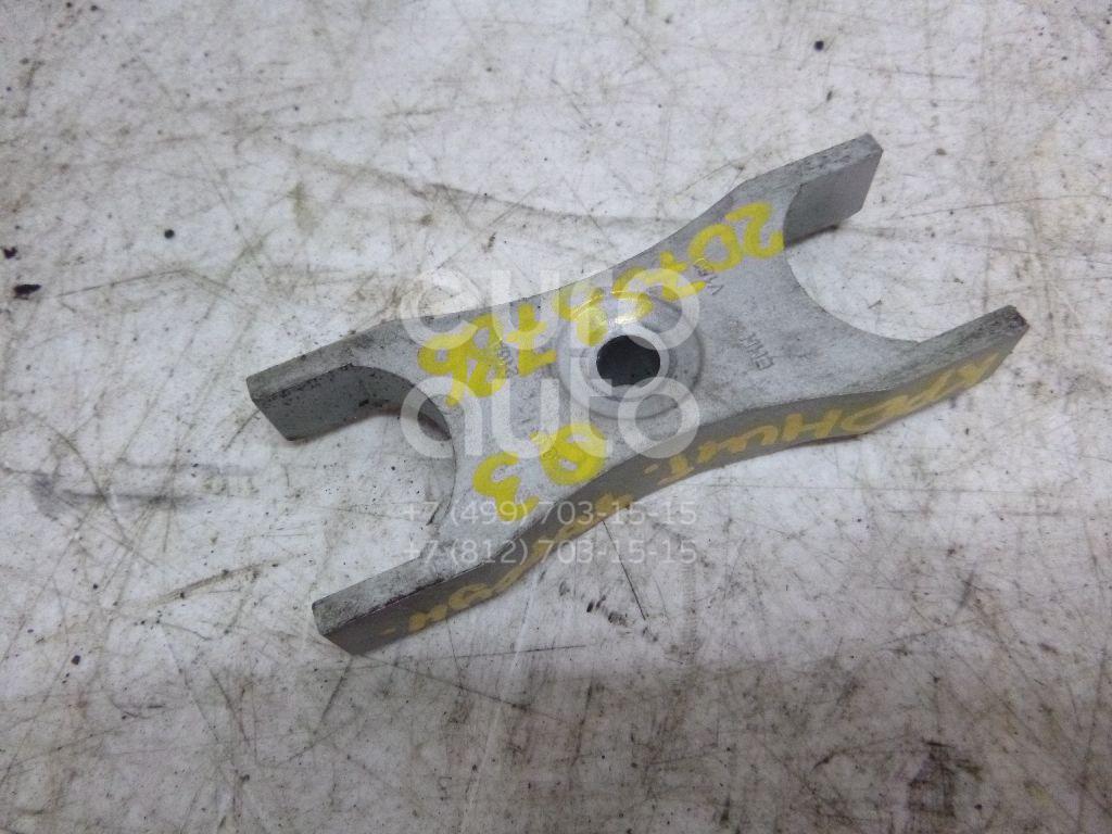 Купить Кронштейн форсунки Audi Q3 2012-; (03L130216A)