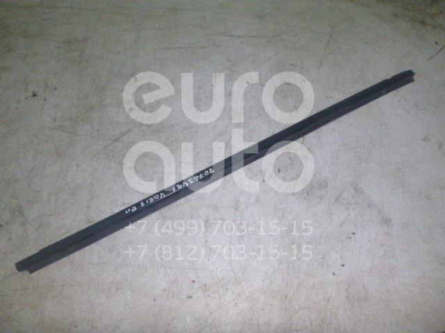 Купить Накладка стекла переднего правого Toyota Yaris 1999-2005; (681600D011)