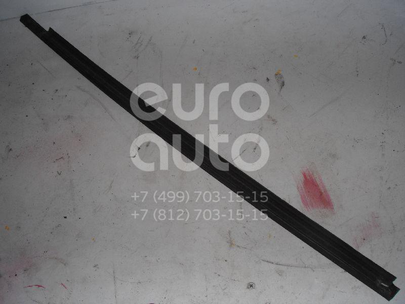 Накладка стекла заднего правого для Ford Focus I 1998-2005 - Фото №1