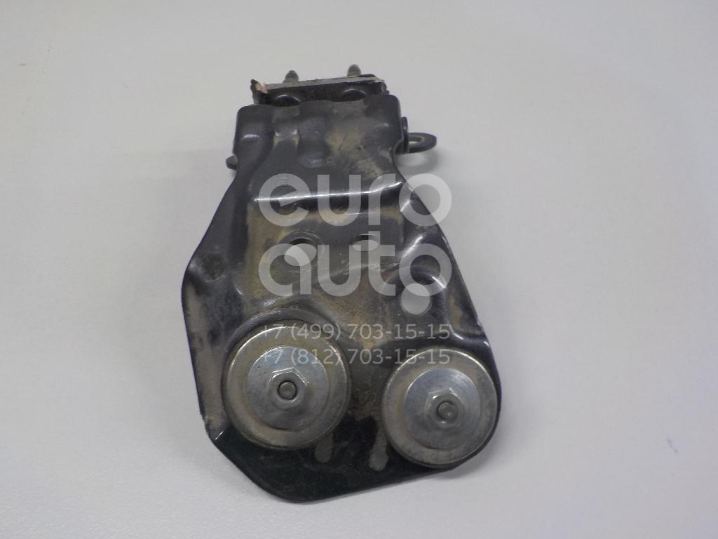 Купить Петля двери багажника Toyota Highlander II 2007-2013; (688100E070)