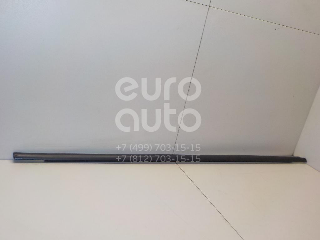 Купить Накладка стекла переднего правого VW Passat [B6] 2005-2010; (3C4837478B5AP)