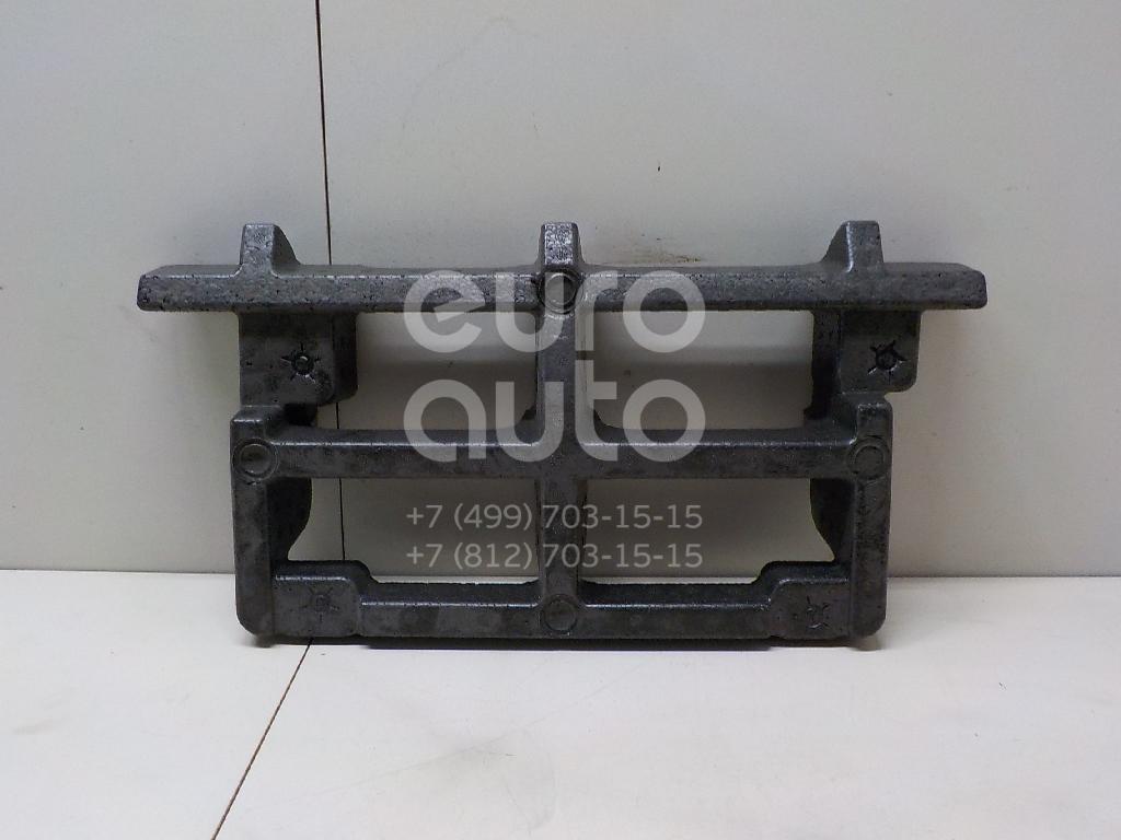 Купить Усилитель пола Mercedes Benz W204 2007-2015; (2046931433)