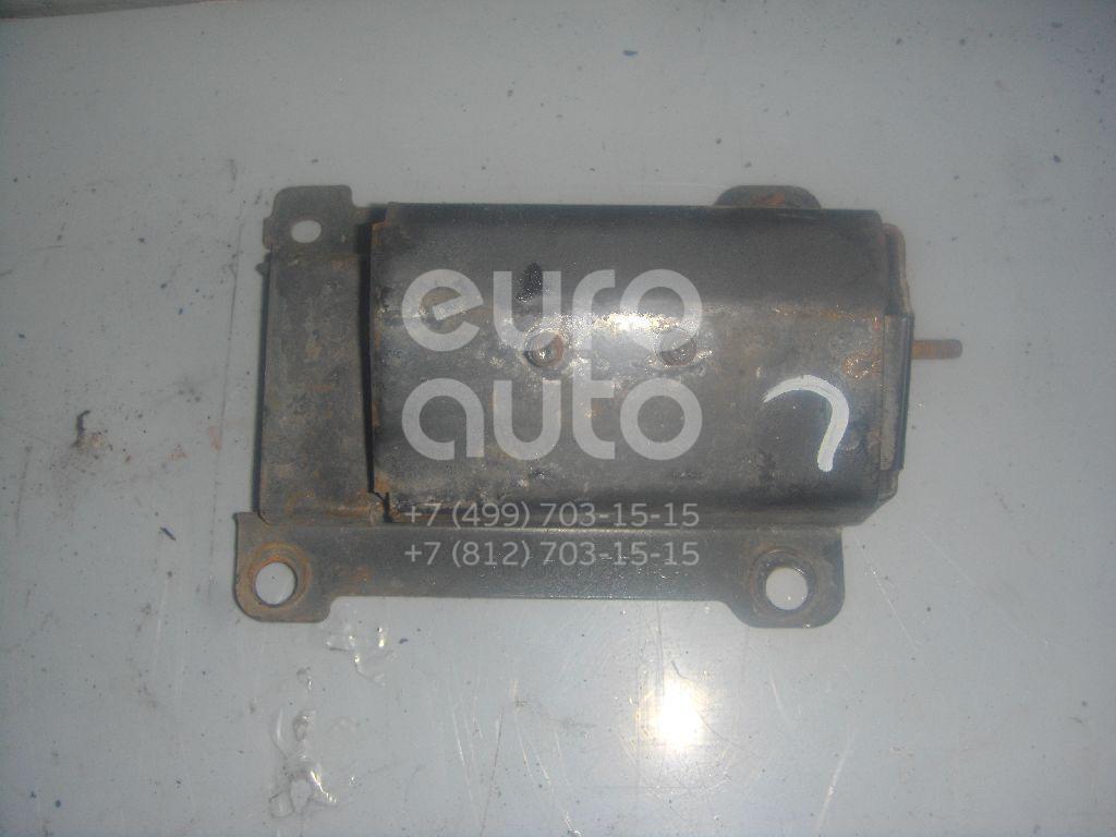 Кронштейн усилителя переднего бампера левый для Nissan Maxima (A32) 1994-2000 - Фото №1
