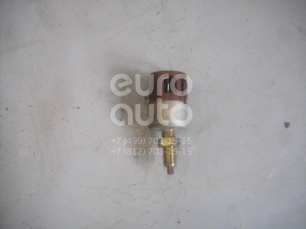 Датчик включения стопсигнала для Toyota RAV 4 1994-2000 - Фото №1