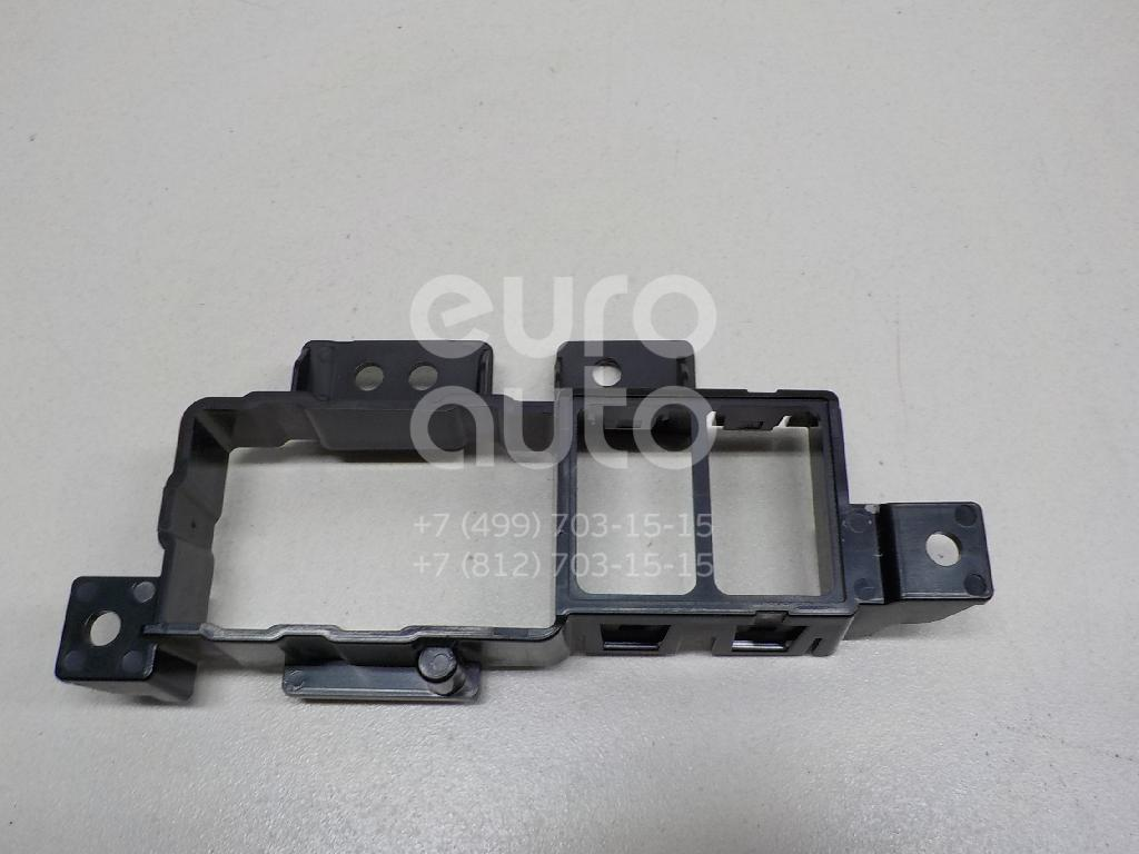 Купить Кронштейн (сопут. товар) Infiniti FX/QX70 (S51) 2008-; (681681CA0A)