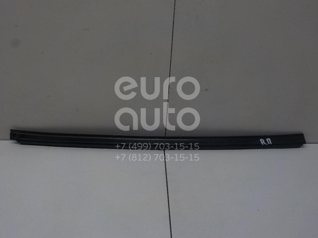 Купить Накладка стекла переднего правого Mercedes Benz Vito (638) 1996-2003; (6387250323)