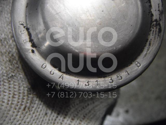 Клапан рециркуляции выхлопных газов для Skoda,Audi,VW,Seat Octavia (A4 1U-) 2000-2011;A3 (8L1) 1996-2003;Octavia 1997-2000;Golf IV/Bora 1997-2005;New Beetle 1998-2010;Alhambra 1996-2000;Sharan 2000-2004;A3 [8PA] Sportback 2004-2013;Caddy III 2004-2015 - Фото №1
