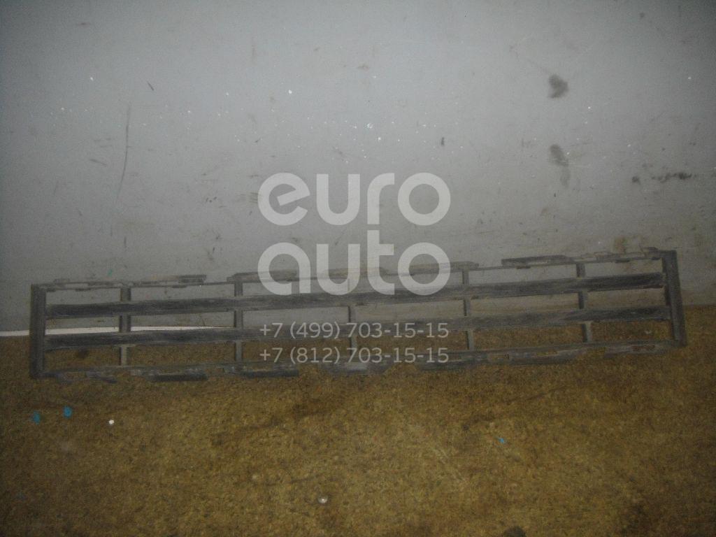 Решетка в бампер центральная для Renault Megane II 2003-2009 - Фото №1