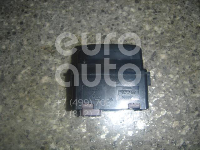 Кнопка открывания багажника для Nissan Teana J32 2008-2013;Tiida (C11) 2007-2014;GT-R 2008>;Sentra (B17) 2014> - Фото №1