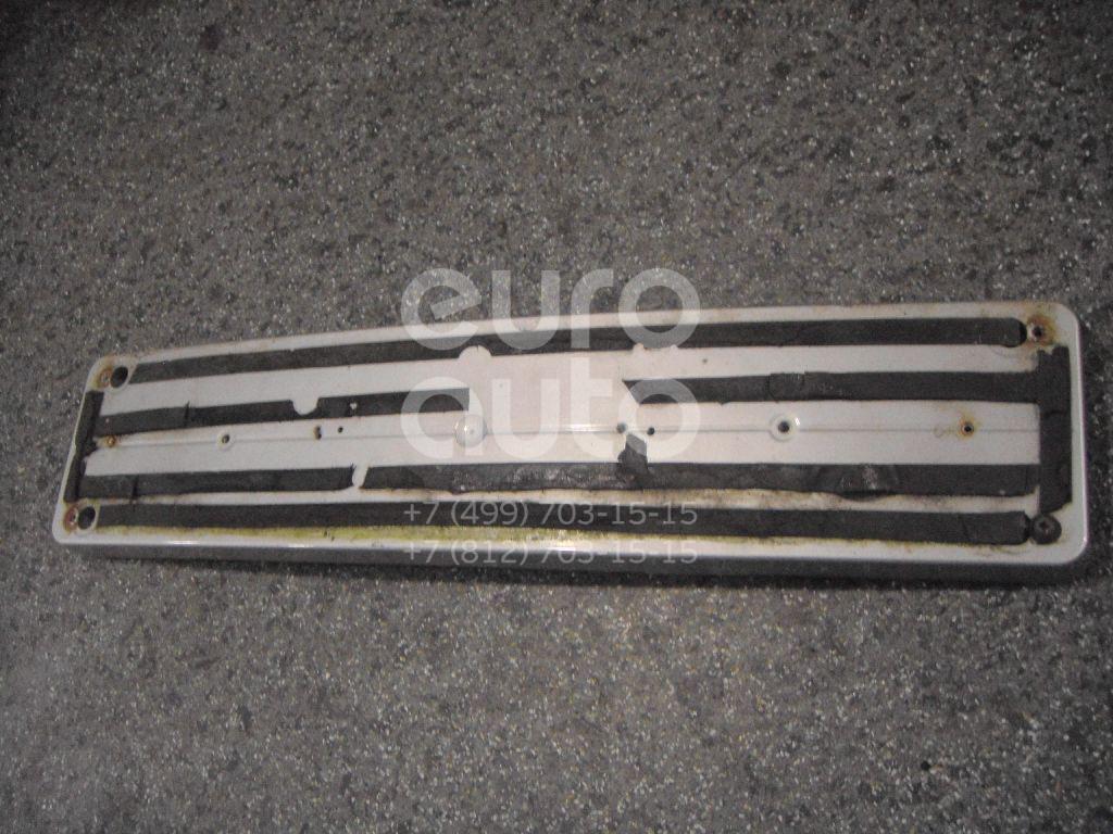 Накладка переднего бампера под номер для Mercedes Benz W210 E-Klasse 2000-2002 - Фото №1