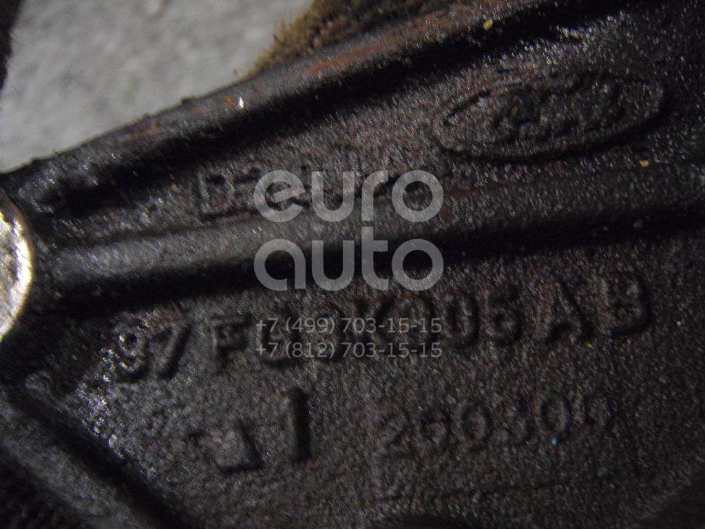 Кронштейн промежуточного вала для Ford Fiesta 1995-2001 - Фото №1