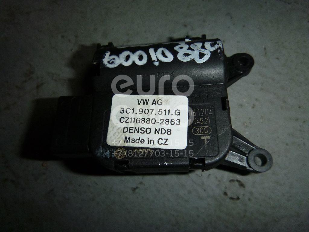 Моторчик заслонки отопителя для VW,Skoda Golf V Plus 2005-2014;Passat [B6] 2005-2010;Superb 2008-2015;Golf VI 2009-2013;Scirocco 2008>;Passat [B7] 2011-2015 - Фото №1