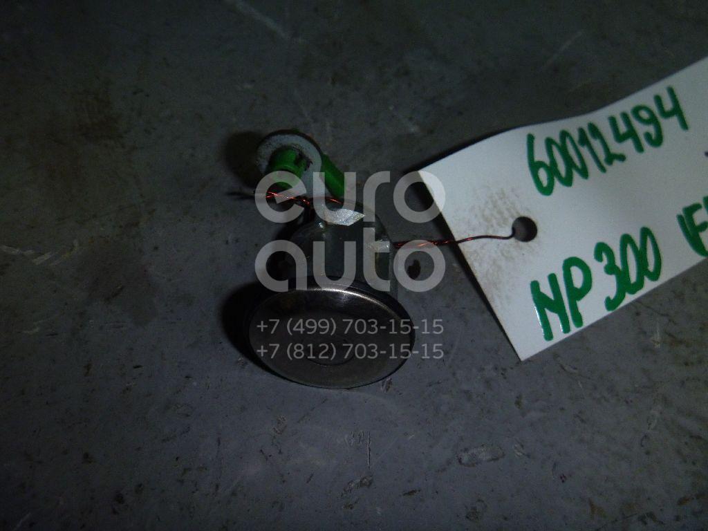 Вставка замка двери прав. для Nissan,Infiniti NP300 2008>;Patrol (Y61) 1997-2009;Terrano III /Pathfinder (R50) 1997-2003;King Cab D22 1998-2005;QX4 (JR50) 1996-2002 - Фото №1