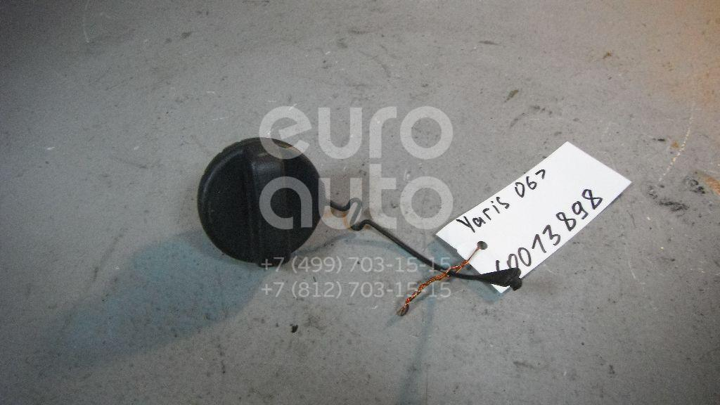 Крышка топливного бака для Toyota,Lexus Yaris 2005-2011;LS (USF4#) 2006>;Camry V40 2006-2011;Land Cruiser (200) 2008>;RAV 4 2006-2013;Auris (E15) 2006-2012;Corolla E15 2006-2013;GS 300/400/430 2005-2012;Avensis III 2009> - Фото №1