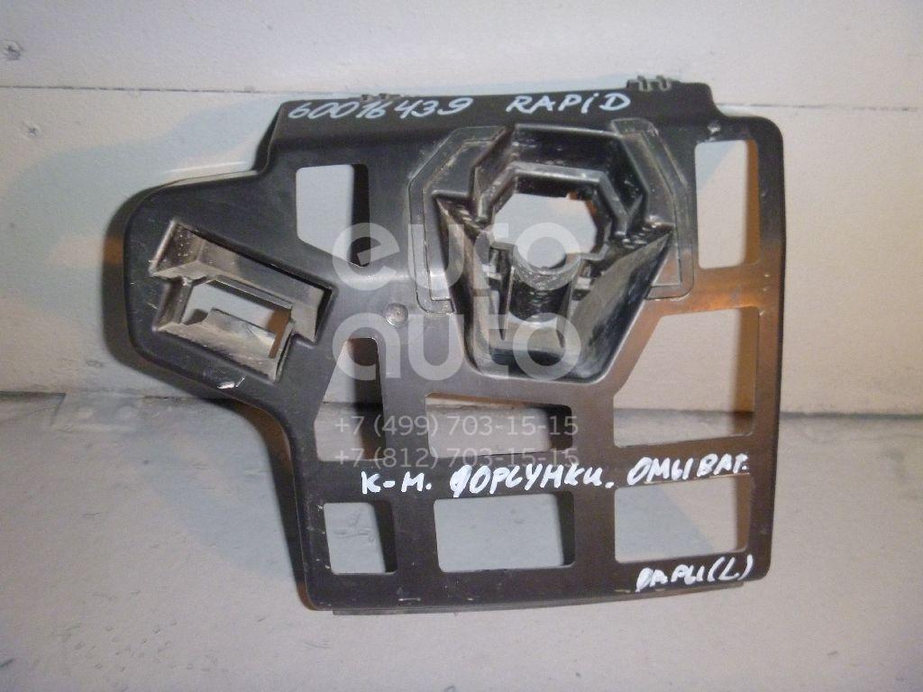 Кронштейн форсунки омывателя фары для Skoda Rapid 2013> - Фото №1